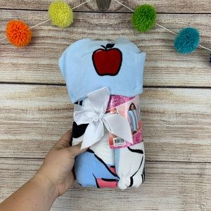 NWT Girls Snow White Hooded Towel